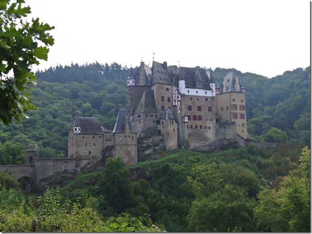 Traumpfad Eltzer Burgpanorama - Die Burg Elz