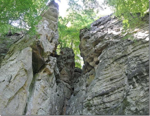 Teufelsschlucht Ernzen / Irrel - Blick auf eine der vielen Felsformationen