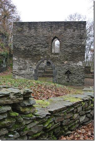 Wäller Tour Iserbachschleife - Kirchenruine Gesamtansicht