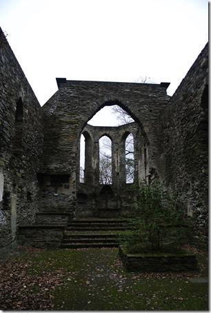 Wäller Tour Iserbachschleife - Kirchenruine Innenansicht