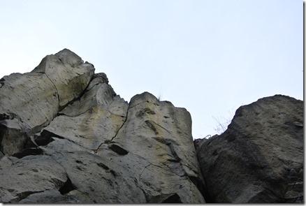Traumpfad Vulkanpfad - Stein und Himmel