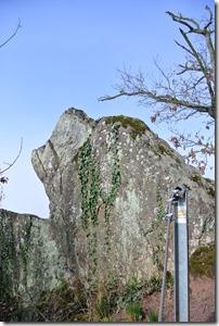 Moselsteig Etappe 18 - Felsen am Wegesrand