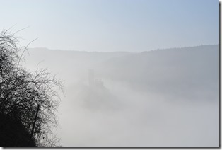 Moselsteig Etappe 18 - Burg im Nebel