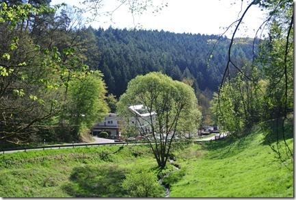 Wäller Tour Iserbachschleife - Blick auf die Thalhauser Mühle
