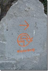 Moselsteig Etappe 23 - Stein mit Wegweiser