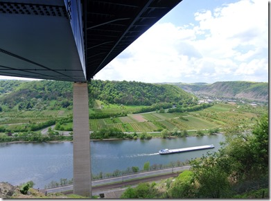 Moselsteig Etappe 23 - Blick von der Brücke auf die Mosel