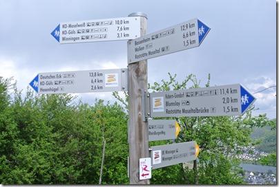 "Moselsteig Etappe 23 - Wegweiser ""satt"""