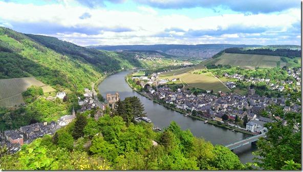 Moselsteig Traben-Trarbach - Reil - Blick ins Tal von der Grevenburg