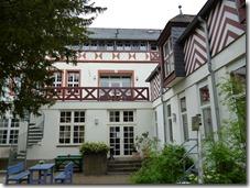 Moselsteig Etappe Reil - Zell (Mosel) - Hauptgebäude Marienburg