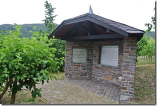 Moselsteig Treis-Karden - Moselkern - Friedhof Völkerwanderung