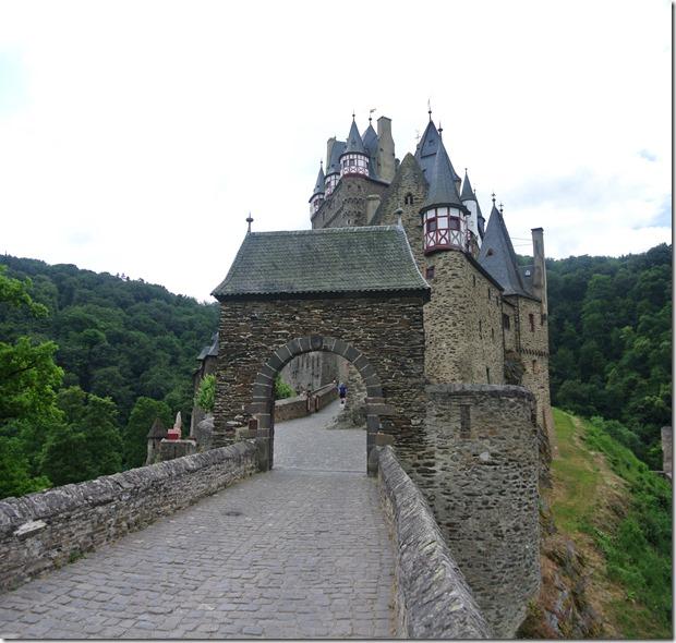 Moselsteig Treis-Karden - Moselkern - Burgeingang Eltz