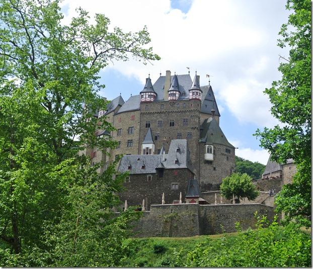 Moselsteig Treis-Karden - Moselkern - Burg Eltz von gegenüber
