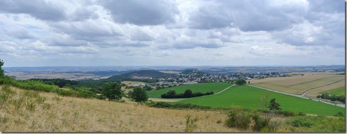 Traumpfad Vier-Berge-Tour - Blick auf Ettringen, Kottenheim und Mayen
