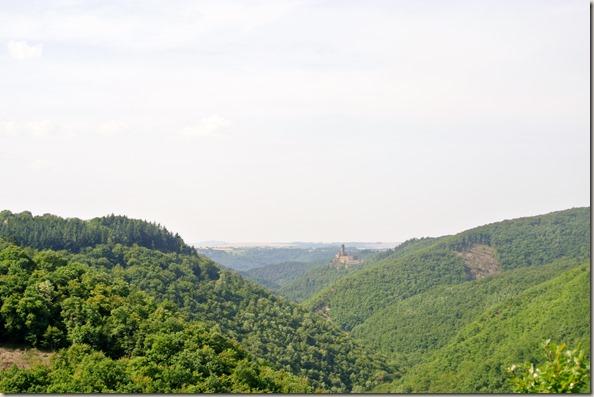 Traumschleife Ehrbachklamm - Blick zur Ehrenburg