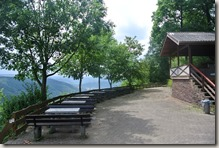Moselsteig Felsen. Fässer. Fachwerk - Raulwig-Platz 3