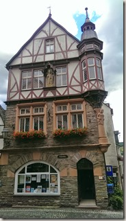 Moselsteig Bernkastel-Kues-Zeltingen - Tourismusinfo von Ürzig