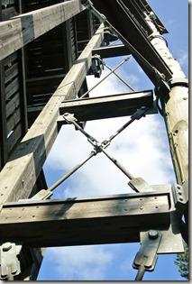 Traumpfad Booser Doppelmaartour - Booser Eifelturm Blick nach oben