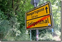 Kulturlandweg Sieg - Ortsschild Weingartsgasse
