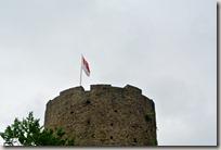 Erlebnisweg Burgweg - Turm mit Flagge