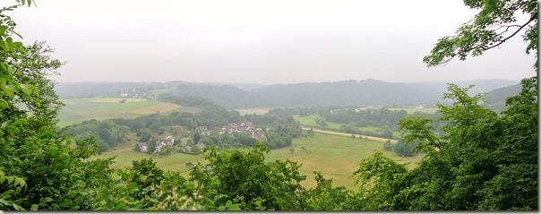 Erlebnisweg Burgweg - Blick ins (Seiten-) Tal