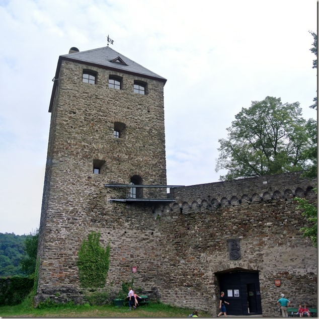 Traumpfad Saynsteig - Burg Sayn - Burgfried