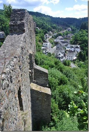 Traumpfad Virne-Burgweg - Blick auf den Ort