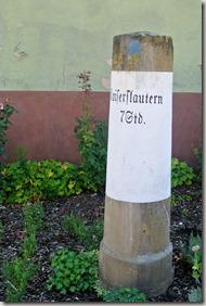 Veldenz Wanderweg Ausbacherhof-Lauterecken: Kilometerstein