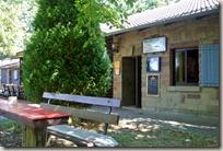 Veldenz Wanderweg Ausbacherhof-Lauterecken: Hütte am Weiher