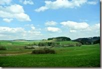 Traumpfad Booser Doppelmaartour - sattes Grün und blauer Himmel