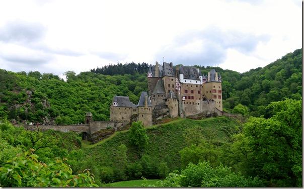 Burg Eltz Traumpfad Eltzer Burgpanorama - Burg Eltz