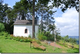 Moselsteig–Etappe 3: Nittel–Konz - Kapelle oberhalb von Konz