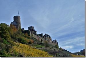 Traumpfad Bleidenberger Ausblicke - Blick zurück zur Burg