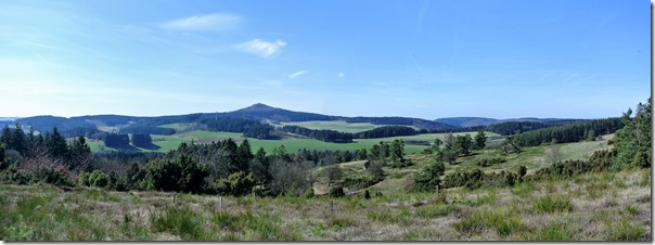 Traumpfad Bergheidenweg - Blick zum Nürburgring