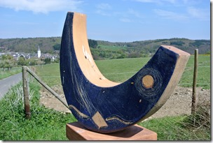Vinxtbachtal Extratour - Keramik am Wegesrand