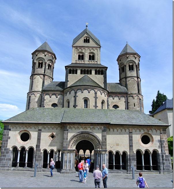 Höhenweg Laacher See - die Abteikirche