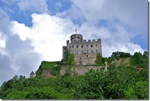 Traumpfad Pyrmonter Felsensteig - Burg von unten