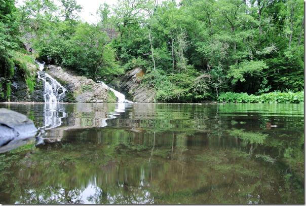 Traumpfad Pyrmonter Felsensteig - Spiegelung Wasserfall