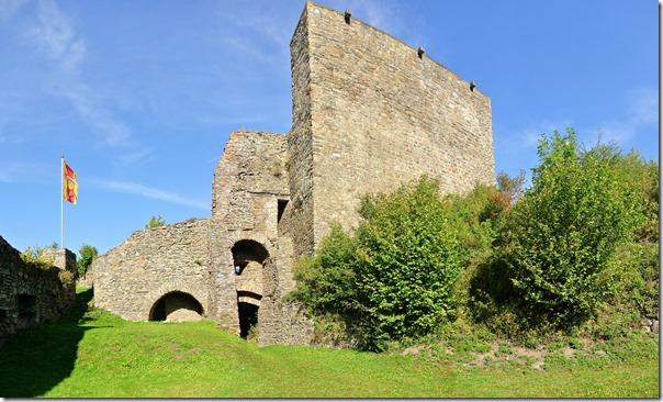 Traumpfad Virne-Burgweg - Burganlage, groß
