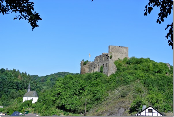 Traumpfad Virne-Burgweg - Blick auf die Burg