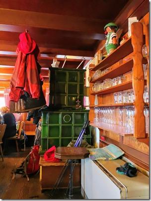Rothaarsteig Spur Oberhundemer Bergtour -Kachelofen im Alpenhaus