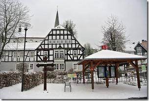 Rothaarsteig Spur Oberhundemer Bergtour -Marktplatz Oberhundem