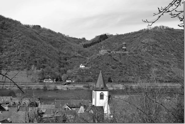 Moselsteig Seitensprung Borjer Ortsbachpädche - Burg Bischofsstein
