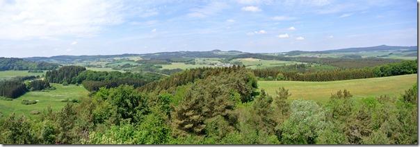 Traumpfad Booser Doppelmaartour - Blick in die Eifel